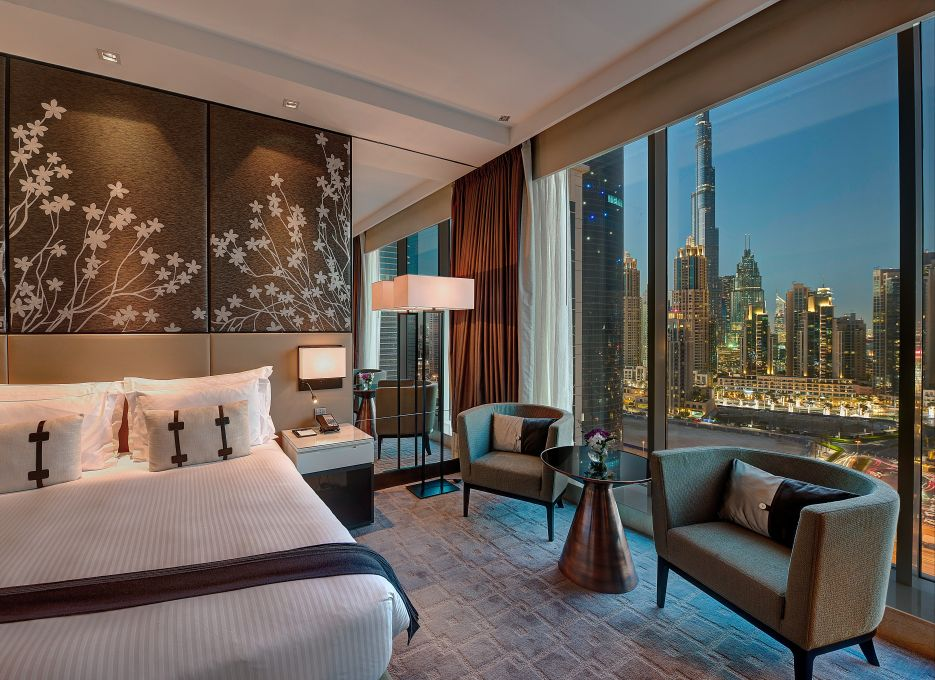 hotel-night-in-Dubai-dubaidailytours